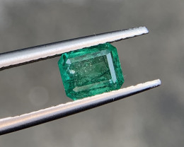 1.05 carat Natural Emerald Gemstone.