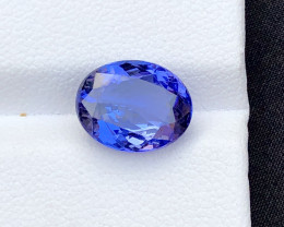 Top Grade 4.60 ct Tanzanite eye catching Color