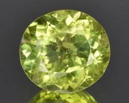 3.28 CTS Beautiful Green Peridot Gem