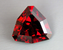 IF 19.40 CT Natural Beautiful Color Trillion Cut Rhodolite Garnet From Tanz