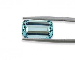 5.66 Cts Stunning Lustrous Natural Aquamarine
