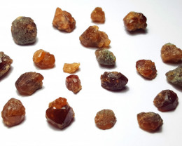 Amazing Natural color Spessartine Garnet Rough / Crystal max lot 100GA/1