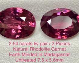 2.54ct tw Rhodolite Garnet - PAIR/2pcs - Madagascar / 7.4 x 5.6mm