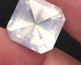 14.50 carats, Natural Moonstone.