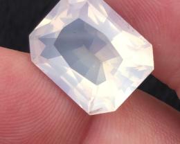 9.35 carats, Natural Moonstone.