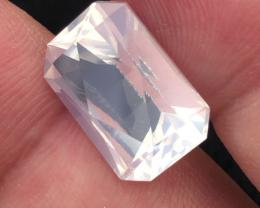 9.0 carats, Natural Moonstone.
