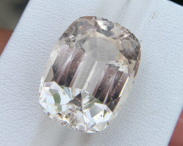 23.20 carat Natural Topaz Gemstone.