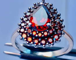 22.1CT GARNET RING WITH  , SILVER GOLD PLATED GOLD FROM COLLECTOR- UNUSED!