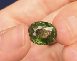 9.05 Ct Natural Beautiful Rutile Peridot Gemstone