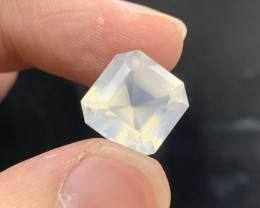 Top Quality 11.00 ct Natural Moonstone