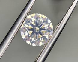 Certified 0.90 carat natural diamond.