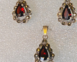 RHODOLITE EARRINGS- , SET WITH PENDANT SILVER  VERY NICE COLLECTION!