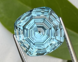 14.12 Cts Master Cut AAA Quality Natural Blue Topaz