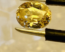 1.3CHRYSOBERYL  -GOLD-CEYLON - SHIPPING FREE -  I DISCONNECT MY COLLECTION.