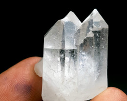 Stunning natural color twin Quartz crystal 97Cts-P