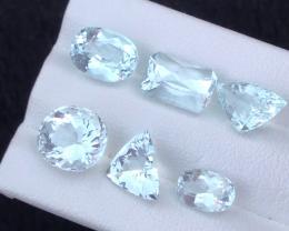 11.95 carats, Natural Aquamarine.
