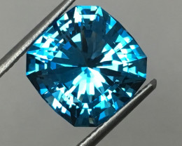 7.15 CARAT IF TOPAZ ELECTRIC BLUE MASTER CUT PERFECTION !