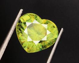 4.08 CT SPHENE DIAMOND LUSTER 100% NATURAL UNHEATED MINE  MADAGASCAR