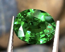 2.29 ct Vivid Green  Tsaverite Garnet With Excellent Luster And Fine Cuttin