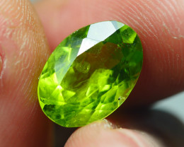 3.880CRT BEAUTY GREEN PERIDOT -