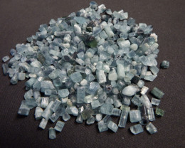 527.2 carats Transluscent blue tourmaline rough Lot