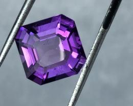 5.50 carats, Natural Amethyst.