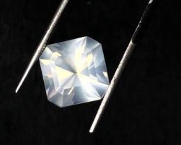 7.40 carats, Natural Moonstone.