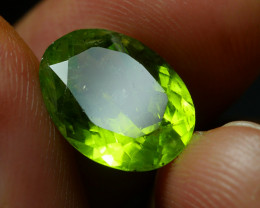 4.965 CRT BEAUTY GREEN PERIDOT -