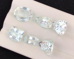 12.95 carats, Natural Aquamarine.