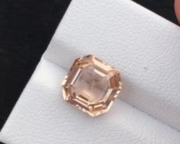 3.95 carats, Natural topaz.