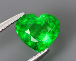1.730 Cts Tsavorite Heart Chrome Green Garnet 100% Natural Unheated