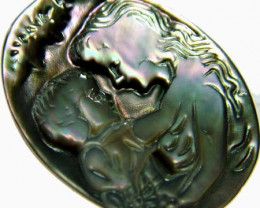 MOTHER OF PEARL - LADY CARVING  - 15.5 CTS [PF 831 ]