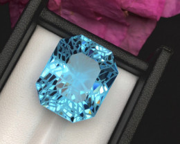Top Grade 41.75 ct lovely Blue Topaz Ring Size
