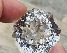 171.70Cts Sparkling Master Designer cut Natural color Eye clean Topaz lovel