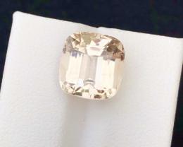 Brilliant Color 9.55 Ct Natural Topaz gemstone