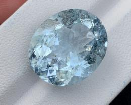 24.3 carat Naturla aquamarine Gemstone.