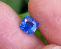 CERTIFIED 1.48 CTS NATURAL STUNNING CORNFLOWER BLUE SAPPHIRE SRI LANKA