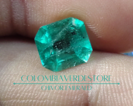 Electric blueish green Colombian emerald from Chivor 2.13 cts