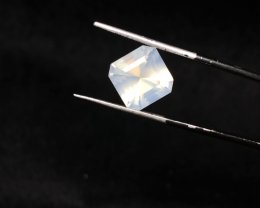 6.80 carats, Natural Moonstone.