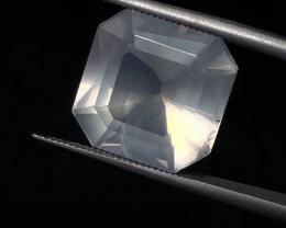 6.40 carats, Natural Moonstone.