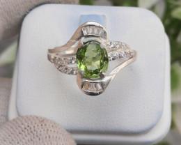 17.25 Carats Natural Peridot 925 Silver Ring