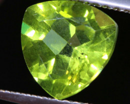 1.95  CTS   PERIDOT FACETED STONE SG -1961 simplygems