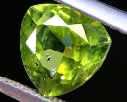 2.55   CTS    GREEN PERIDOT FACETED STONE  SG -1966  simplygems
