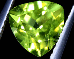 1.5   CTS    GREEN PERIDOT FACETED STONE  SG -1968  simplygems