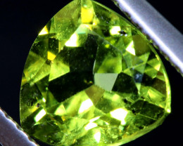 2.20  CTS  PERIDOT FACETED STONE    SG -1902 SIMPLYGEMS
