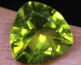 1.85  CTS  PERIDOT FACETED STONE   SG -1908 SIMPLYGEMS