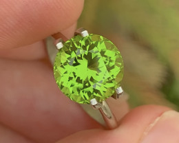 Parrot Green Color 3.65Ct Natural Round Cut Top Quality Peridot
