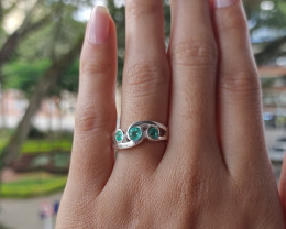 Beautiful Colombian Chivor Emerald ring  21.69 ct