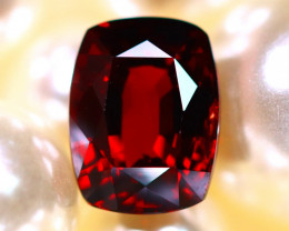 Almandine 3.20Ct Natural Vivid Blood Red Almandine Garnet E1301/B26