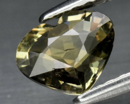 CERTIFICATE Incl.*0.99ct VS Heart Natural Yellowish Green Sapphire